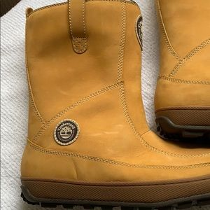 BNWT Timberland Boots - size 8 1/2 M